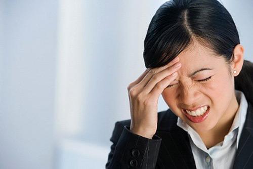 dau-nua-dau-ben-trai-migraine